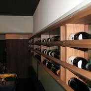 フリードリンク 1時間30分2000円 お任せコースにお付けできます ・生ビール ・カクテル(約40種) ・スパークリングワイン ・ワイン各種 ・日本酒 ・ブランデー ・ウイスキー ・焼酎 ・梅酒 ・ソフトドリンク