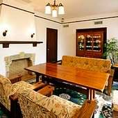 ヴォーリズ建築の特別室はカフェとしてご利用いただけます