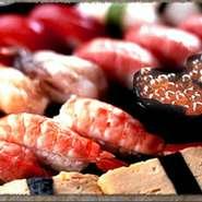 漁港から直送して仕入れた魚を刺身や寿司、塩焼きなど素材の味を活かした調理法でご提供しております。ビールやこだわりの焼酎などと相性も抜群です!