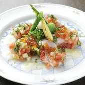 月毎に変わるコースメニューの一例、『金目鯛のお刺身サラダ』
