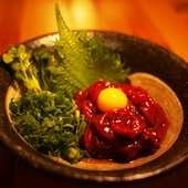 本場熊本から厳しい安全基準をクリアした馬刺し肉を使用