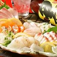 福岡玄海灘の採れたての鮮魚や活魚を毎日長浜市場から仕入れております。