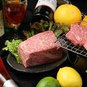 こだわり食材と料理に合うお酒の豊富さが評判です。