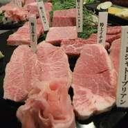 コース料理は、6000円から最後の〆は黒毛和牛大トロにぎり寿司 コース料理のお刺身盛り合わせは現在販売を中止しております。