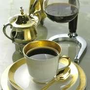 コーヒー豆を通常の店の倍の分量の20gを使い濃厚で深みのある味に心を込めて入れております。