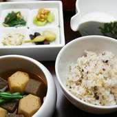 『とろろ飯と今日のおかず』定食