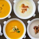 テイクアウトできるホテルの自家製スープ