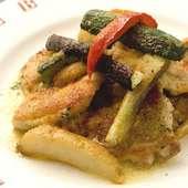 若鶏と農家からの新鮮な野菜のグリル