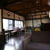 【海cafe 湘南shy'z】 2F店内風景