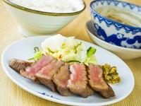 通常の牛たんも厚切りですが、さらに厚くてジューシーで柔らかです。 ※麦飯・テールスープ・小鉢と季節の和菓子付き  4枚:¥3,707/5枚:¥4,510