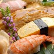 本格職人が握る自慢の『江戸前寿司』や新鮮さが自慢の『刺し盛り』など、新鮮な魚介類のメニューをメインに、豊富なで美味しい料理を取り揃えたお得なコース料理もご用意。各種ご宴会やパーティなどに最適です!