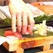 本格職人のにぎり寿司がなんと59円(税抜)から楽しめるネタは鮮度にこだわりありシャリはひと肌で口の中でほぐれます。
