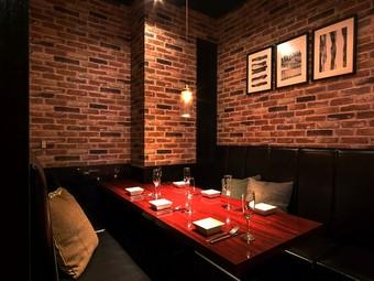 恋人や気の置けない友人との食事会にぴったりな空間