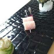 松濤レストラン・シェフ渾身のスタンダード・コースです。四季折々の食材を生かした美味・滋味をどうぞ。