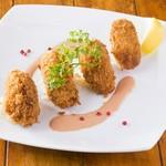 身の詰まった新鮮な海老をフライにしました。ぷりぷりな食感とオーロラソースの風味がたまらない洋食定番料理。(ライスorパン・スープ付)