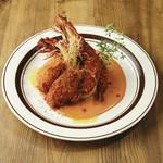 日本発祥の洋食。ぷりぷりジューシーな広島産牡蠣を特製のオーロラソースでお召し上がりください。(ライスorパン・スープ付)