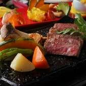 ジューシーで甘みのある『黒毛和牛ステーキ(焼き野菜付き) サーロインステーキ100g』