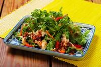 パクチーと蒸し鶏のアジアンサラダ