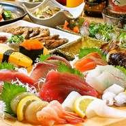 本格職人が握る自慢の『江戸前寿司』や新鮮さが自慢の『刺し盛り』など 新鮮な魚介類のメニューをメインに、豊富なで美味しい料理を取り揃えたお得なコース料理もご用意。各種ご宴会やパーティなどに最適です!