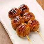 鶏肉に飽きたらこれ! 秘伝のたれと牛肉の旨味とにんにくの風味が絶妙です。