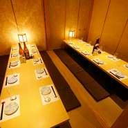 宴会に最適な個室に少人数にも最適な隠れ家的な個室をご用意しております。