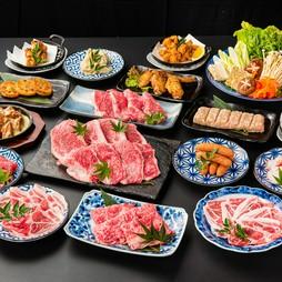 <平日120分/金土祝前日90分>全31品。2種類の牛肉に豚肉、鶏肉、つくねなど定番のお肉をしゃぶしゃぶで。