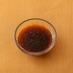 フランス料理のひとつで究極の卵料理ともいわれるウフマヨ。濃厚な雲丹チーズソースをたっぷりつけて召し上がれ。