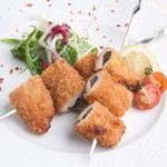 卵が主役。優しい味わいの『たっぷりイクラのチーズオムレツ ~うにクリームソース~』