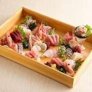 ぜひともトライしておきたいのが、新鮮な海の幸を使った海鮮料理の数々です。刺身はもちろん、焼き物も素材の良さが実感出来ます。コースで一通り味わってみるのも、おすすめ。