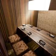 ゆったりと落ち着いた個室は、接待やデートなど雰囲気を大切にしたい時に最適。優雅な雰囲気の中で和やかに食事ができ、商談もスムーズに進みます。