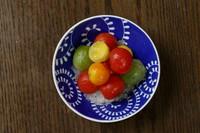 カラフルなトマトを梅酒に漬け込み大葉のしゃーべっとを添えました。 甘酸っぱいさっぱりとした逸品です。