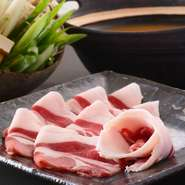 前菜・お造り・猪ベーコンサラダ・牡丹鍋・リゾット デザート  はせ川オリジナルの合わせ味噌で本来の天然猪肉・野菜の旨味をお楽しみください。