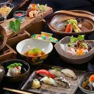 【寿司 はせ川】ならではのこだわり抜いた食材と鍛え抜かれた職人の腕と洗練さ、そこから生まれた寿司と京料理の饗宴が楽しめます。前菜・造り・先椀・焼物・温物・油物・強肴・寿司・留椀・デザートと内容も充実。