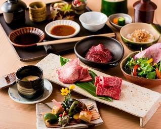 厳選した日本三大和牛を食べ比べ 和牛8種 全20品コース 世界に誇る和牛の旨味を心行くまで堪能して頂きます