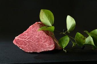 和牛タン・和牛ハラミ・和牛シャトーブリアン・和牛もも肉の変わり焼きしゃぶの贅沢ランチ
