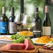 ワインリストには約150種類の銘柄が並んでいます。そのなかでシチリアワインは常時30~40種類を揃えています。シチリアのワインは原料のぶどうが力強くしっかりとした味わい。シチリア料理との相性は抜群です。