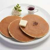 グラスの底までフルーツがぎっしり! 贅沢な『ミックスフルーツパフェ』