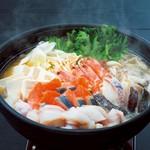 三陸の旨味あふれる海鮮鍋!! 出汁をお選びください 旨塩or王道醤油