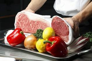 牛肉全般や産地直送野菜など、全て納得できる食材のみを使用