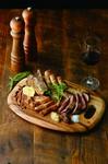 鶏・豚・牛、各種グリルが集う『東海産肉料理の盛り合せ』
