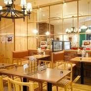 【スパゲッティハウス ヨコイ】は、名古屋名物『あんかけスパゲッティ』元祖の店。ご当地の味を楽しんでほしいと、県外ゲストのおもてなしに利用される方も多くいらっしゃるのだとか。