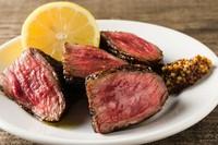 パーフェクトに火入れが施された、絶品肉料理『黒毛和牛のグリル』