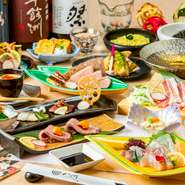九州各県で作られた素材を贅沢に使用した絶品料理の数々はどれも格別の美味さ!そんな料理をリーズナブルな価格でお楽しみ頂けるコースを各種ご用意しております。