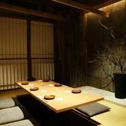 写真は人気の6名向け個室!2名~30名の宴会個室も準備可能です。接待や会社の宴会、プライベートの飲み会など様々なシーンに活用ください。