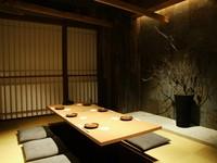 はかた地どりと高級食材オマール海老を使用したお料理品数も10品と当店No.1の豪華コース