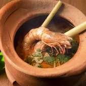 スパイスの調合もスープも、一から手づくりしている『世界の三大スープ トムヤムクン』