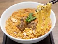 特製スープの旨みと辛さが癖になる『カルビラーメン』