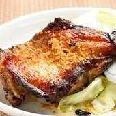 バリエーション豊富な味付けで満喫。香川のご当地グルメ『骨付鶏(雛or親)』