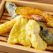 いろいろ食べたい方にオススメの『天ぷら5種 盛り合わせ』
