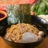 北見の夜の〆に。地元のラーメン専用小麦でつくる特製麺を使った『油そば』